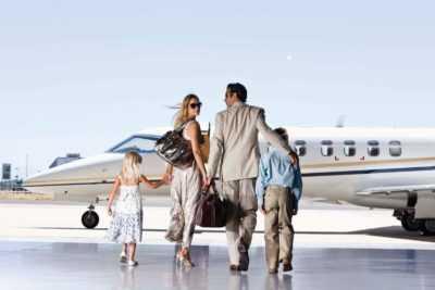 Путешествующих на самолете
