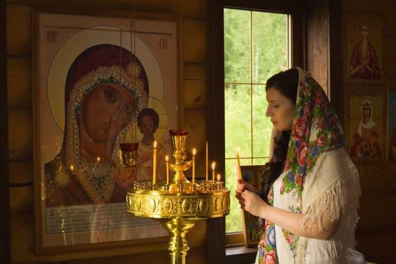 Мольбы о здравии перед иконой Богородицы