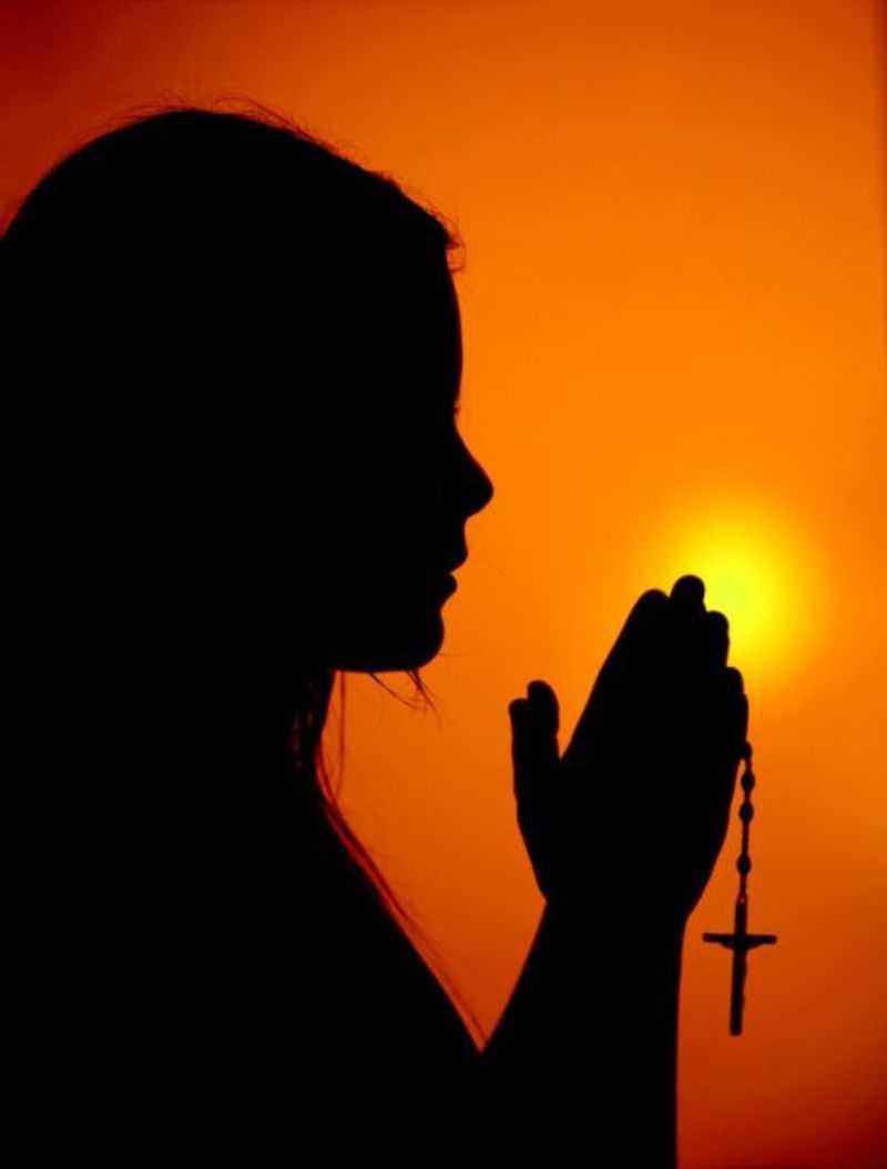 Как правильно молится