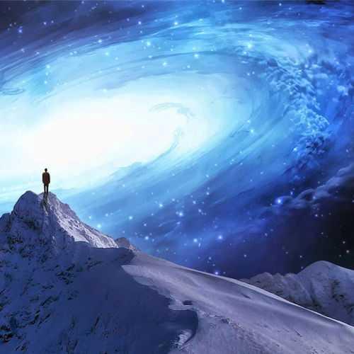 К чему должен стремиться духовно , развивающийся человек?