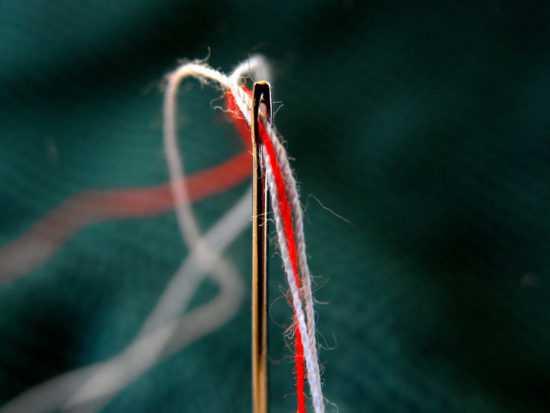 Заговор с помощью нитки