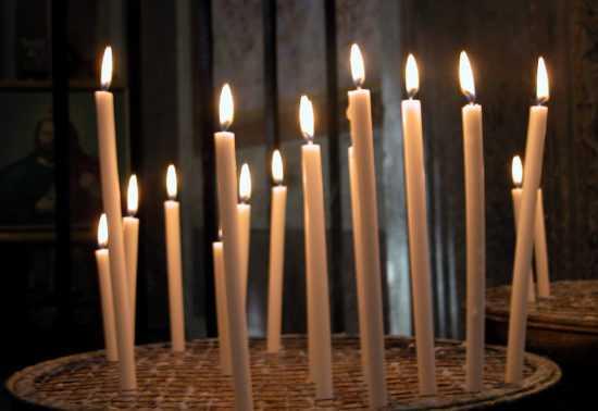 13 церковных свечей