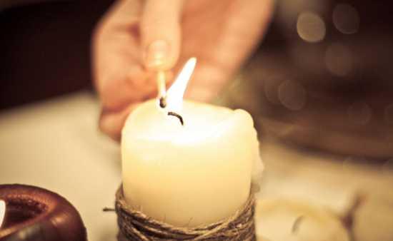 Ритуал с использованием белого полотна и свечи
