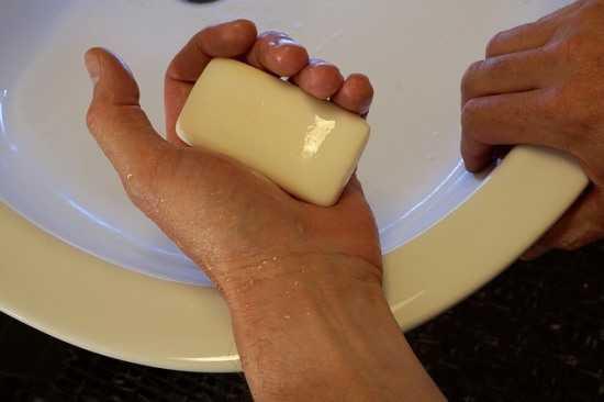 Обмылок в руке