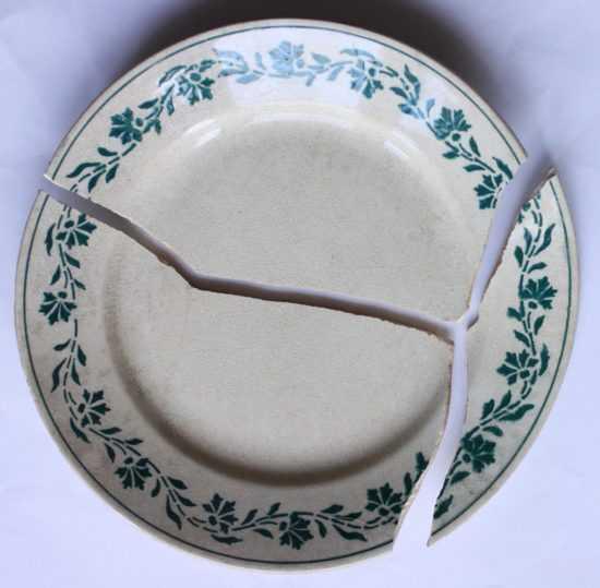 Разбитая тарелка