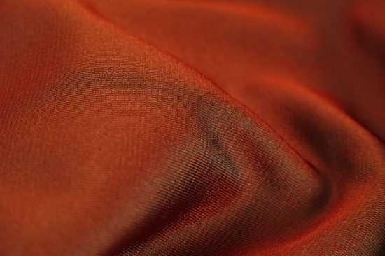 Красная ткань при заговоре