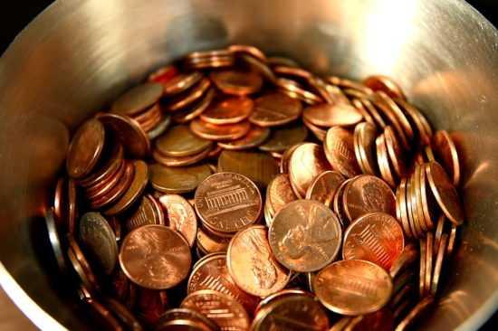 Тарелка с монетами