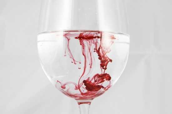 Кровь в стакане