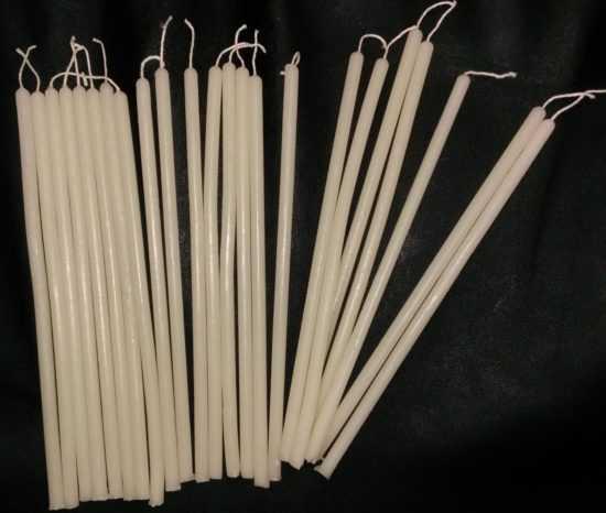 Белые церковные свечи