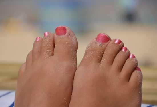 Заговоры, помогающие избавиться от вросшего ногтя на ноге