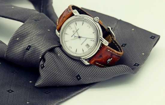 Галстук и часы