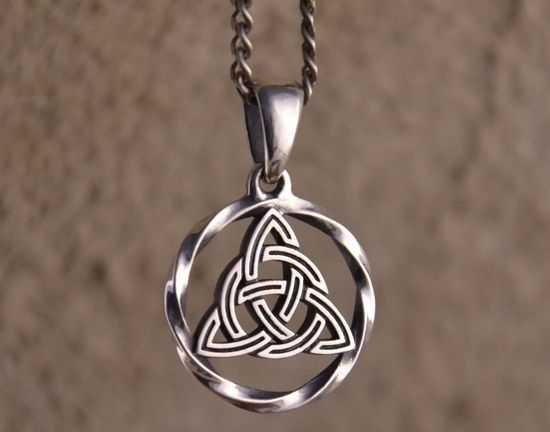 Символ трикветра