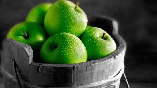 Заговор с зелеными яблоками