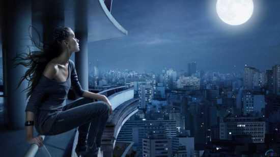 В полночь посмотреть на луну