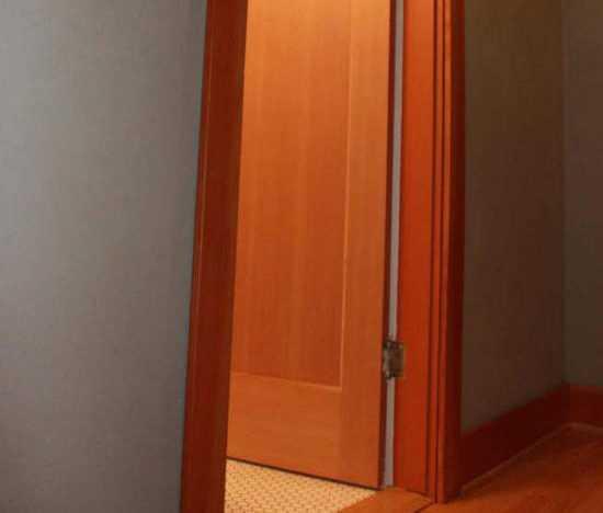 Дверной косяк