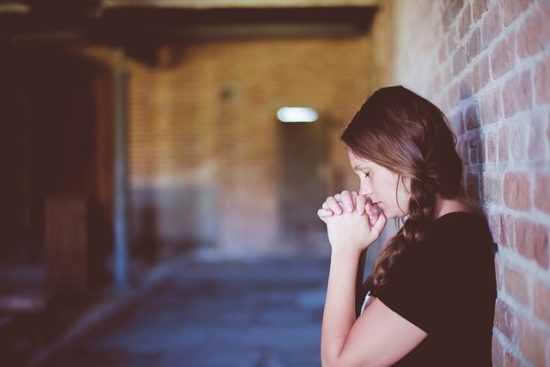Кому нужно молиться
