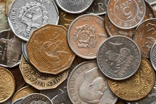 Заговорс землей и монетами