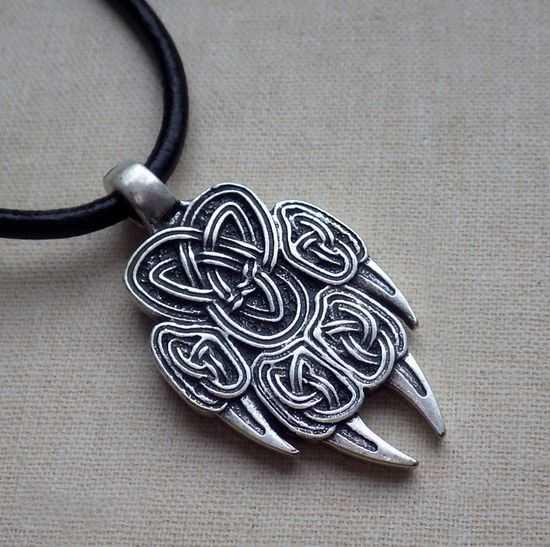 amulet-volchya-lapa