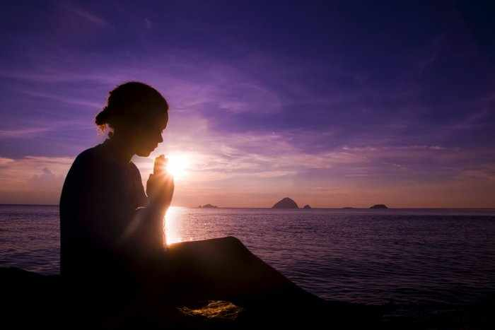Снять порчу молитвой