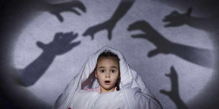 Девочка с боязнью темноты